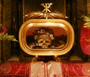 Reliquien des Hl. Valentin von Terni, Rom, Santa Maria in Cosmedin (Quelle: Dnalor 01 CC BY-SA 3.0)