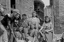 Mythos Trümmerfrau – wer baute Deutschland wieder auf?